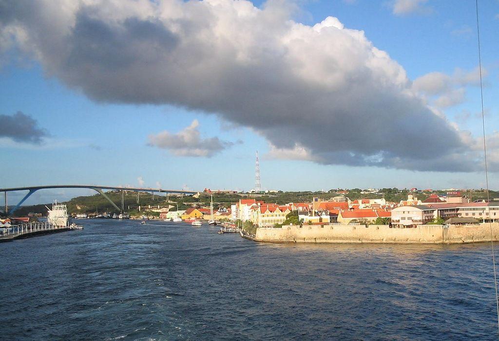 Остров Кюрасао PJ2/VE3MKX