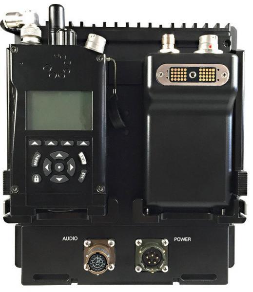 AT RF40V Многодиапазонная Тактическая Радиостанция Вид спереди